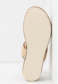 Bullboxer - Platform sandals - platinum - 6