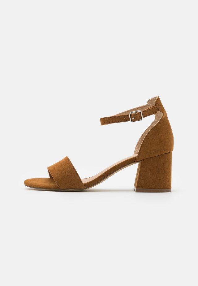 Sandały - hazl