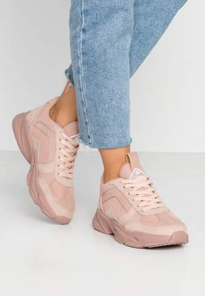 Trainers - dirty pink