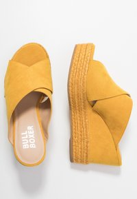 Bullboxer - Heeled mules - old yellow - 3