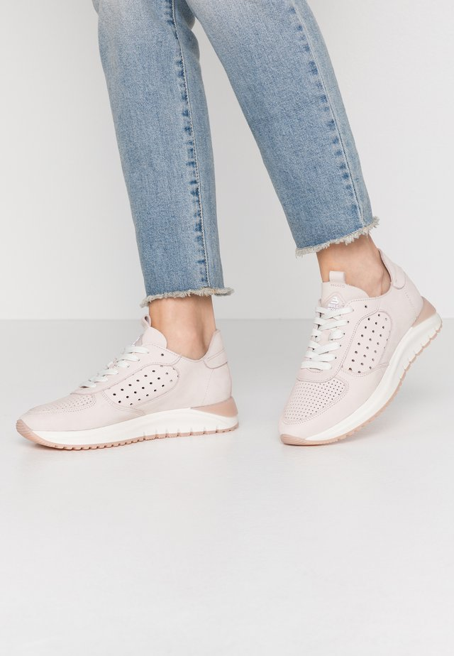 Sneakersy niskie - skint