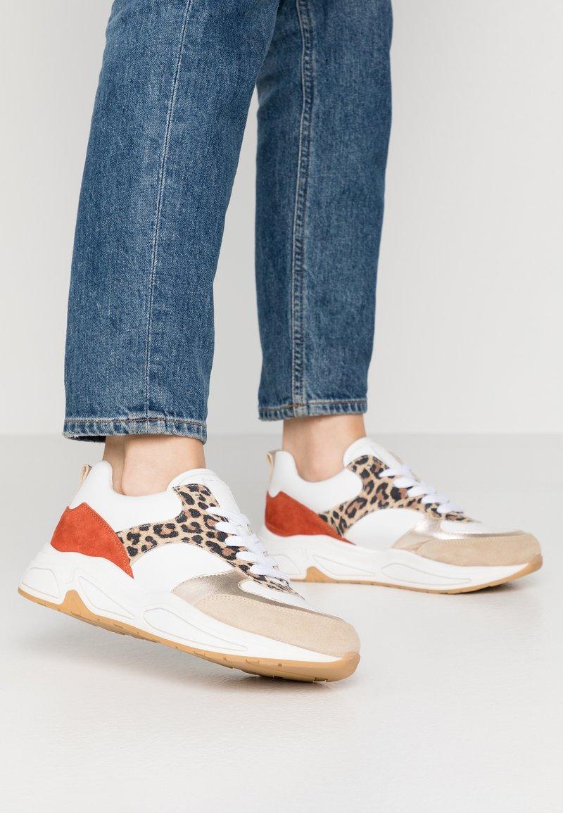 Bullboxer - Sneakers laag - beige