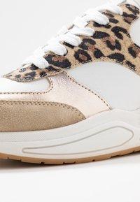 Bullboxer - Sneakers laag - beige - 2