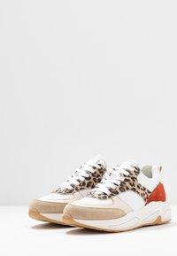 Bullboxer - Sneakers laag - beige - 4