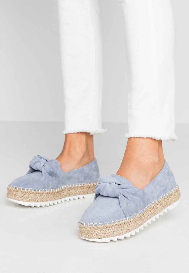 Loafers - pastel blue