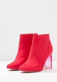 Bullboxer - High heeled ankle boots - light red - 4
