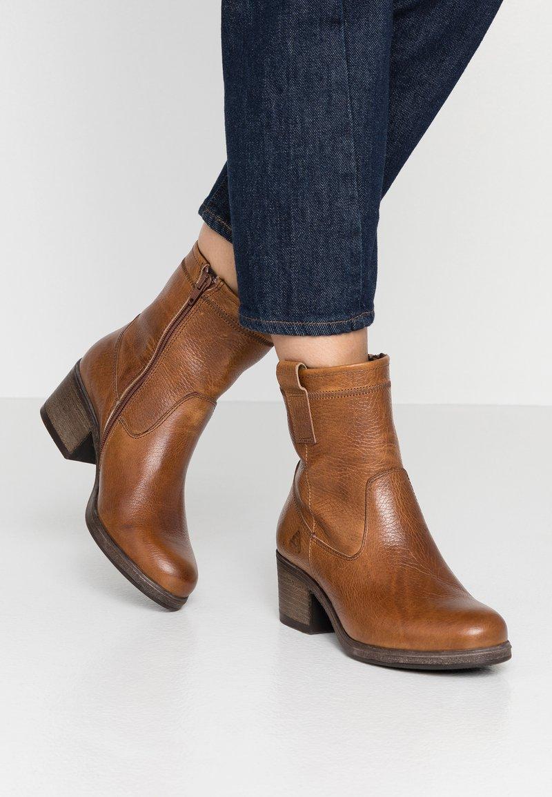 Bullboxer - Classic ankle boots - cognac