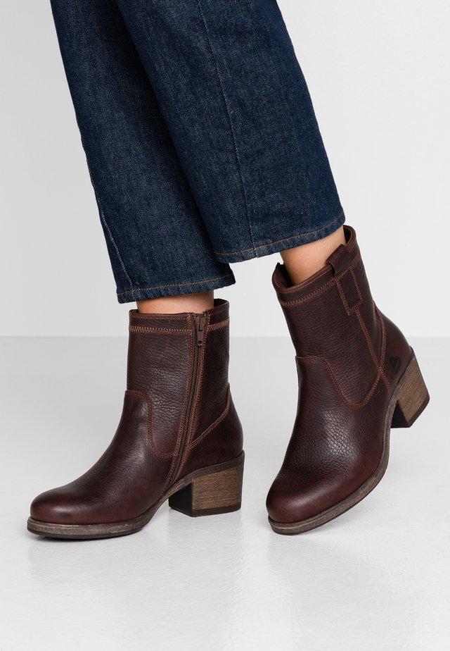 Kotníkové boty - dark brown