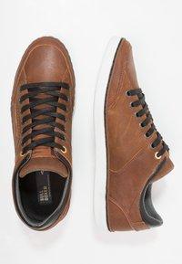Bullboxer - Trainers - marron brown/black - 1