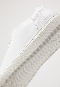 Bullboxer - Sneakers laag - white - 6