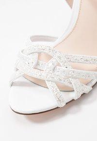 Buffalo - AFTERGLOW - Sandaler med høye hæler - white - 2