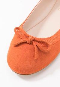 Buffalo - ANNELIE - Bailarinas - orange - 2
