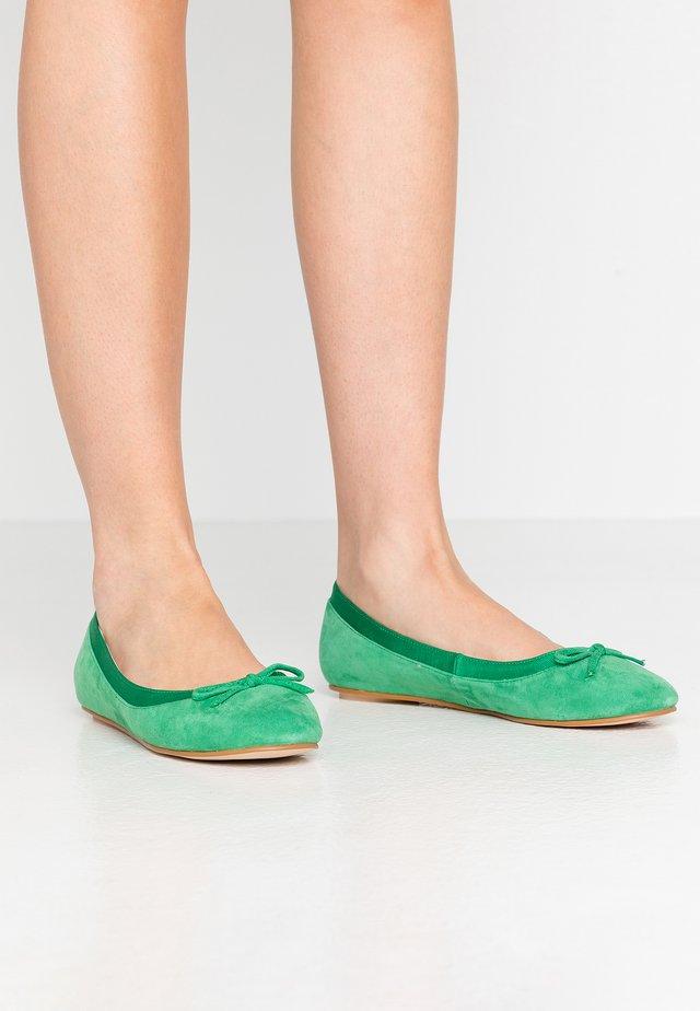 ANNELIE - Baleriny - green