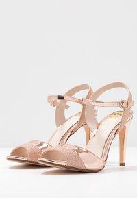 Buffalo - AIDA - Sandály na vysokém podpatku - rosegold - 4
