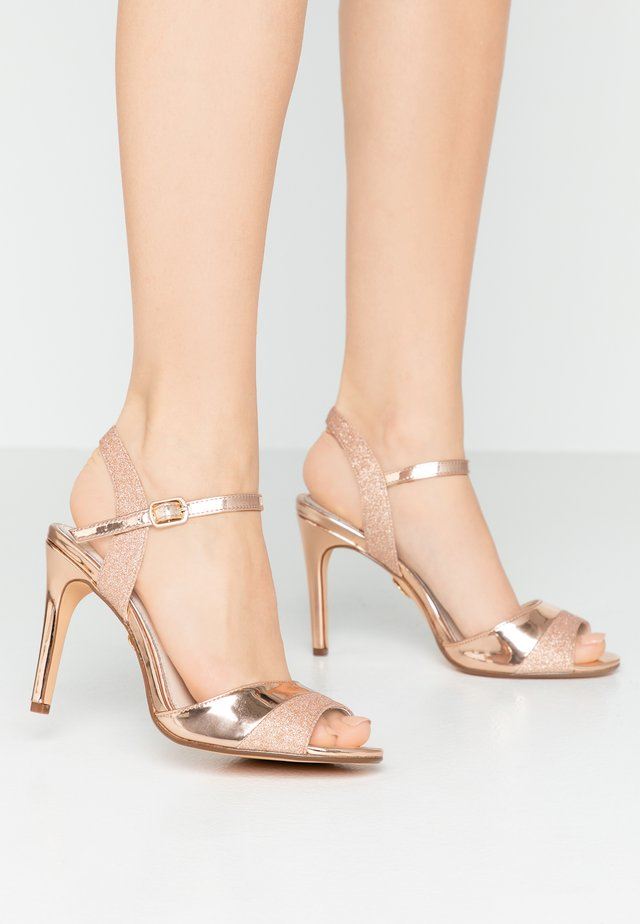 AIDA - Sandały na obcasie - rosegold