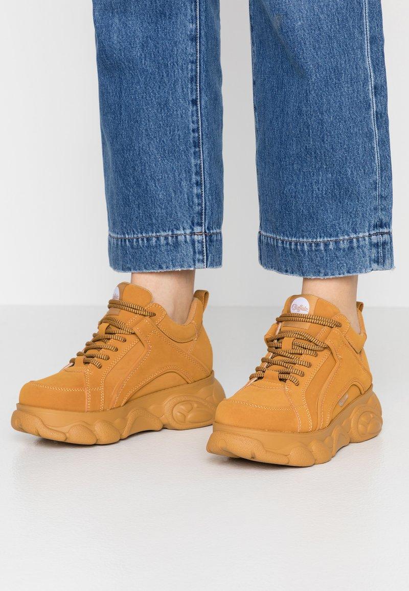 Buffalo - CORIN - Sneaker low - beige
