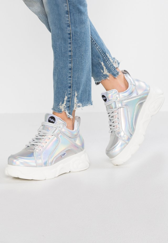 CORIN - Sneakersy niskie - silver