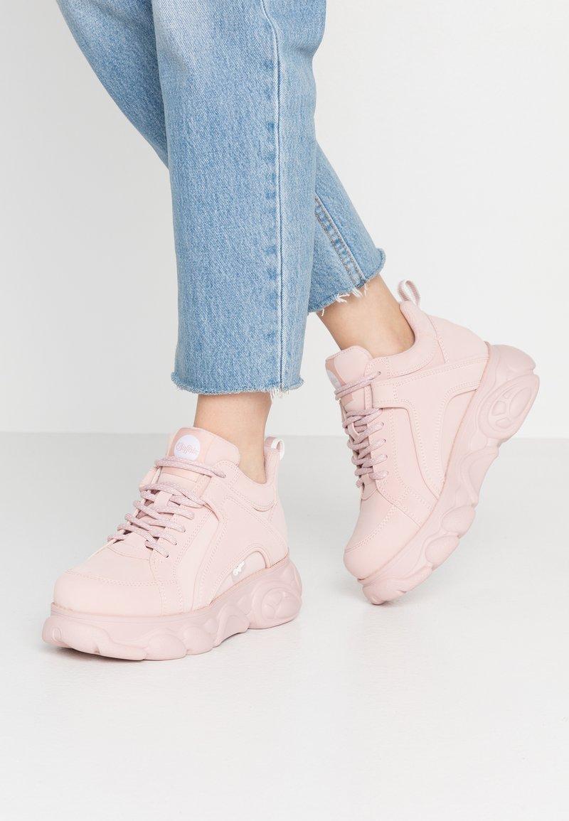 Buffalo - CORIN - Sneaker low - light pink