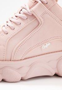 Buffalo - CORIN - Sneaker low - light pink - 2