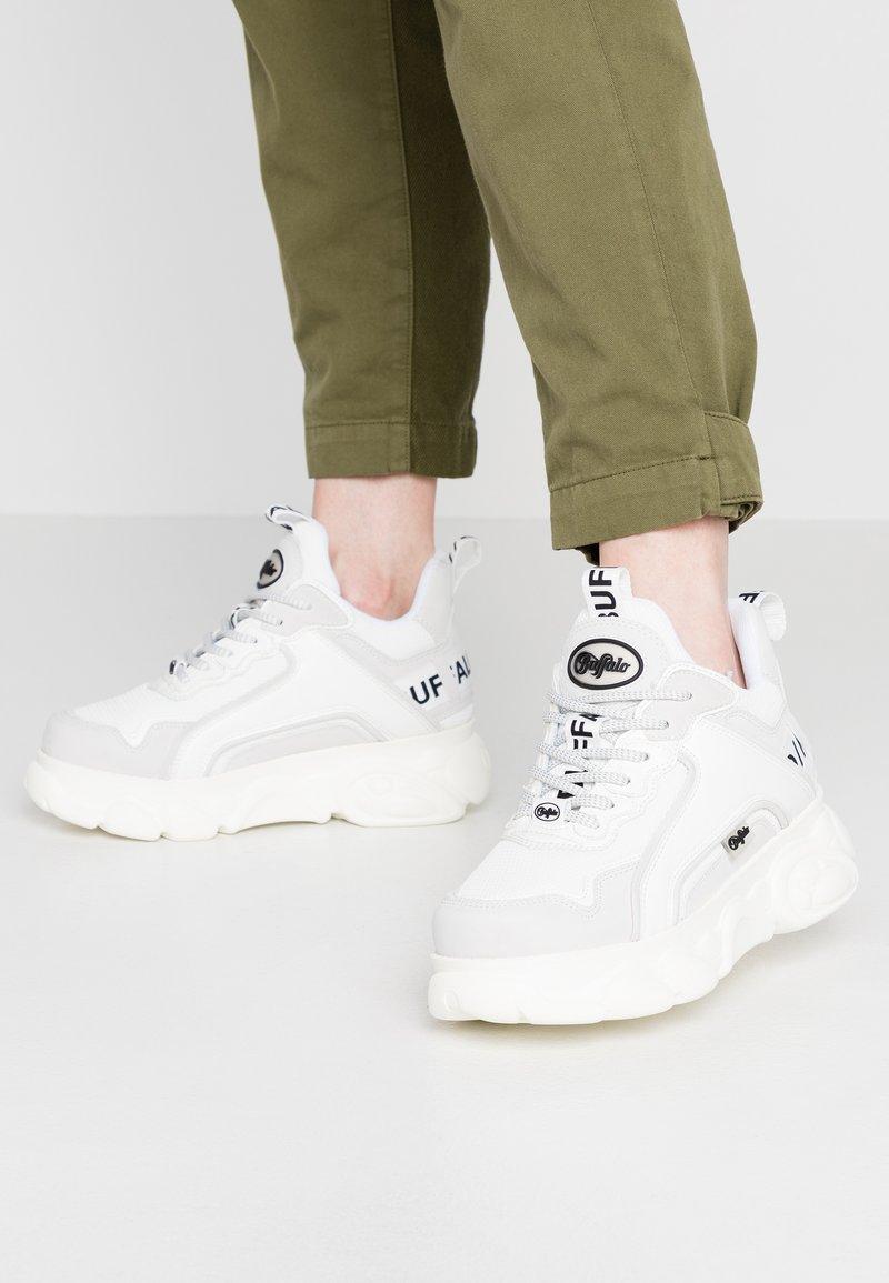 Buffalo - CHAI - Sneaker low - white