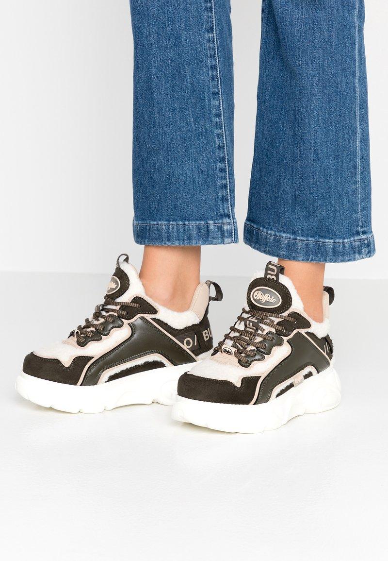 Buffalo - CHAI - Sneakersy niskie - offwhite