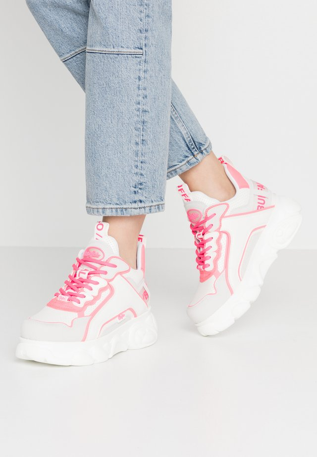 CHAI - Sneakers laag - white/neon pink