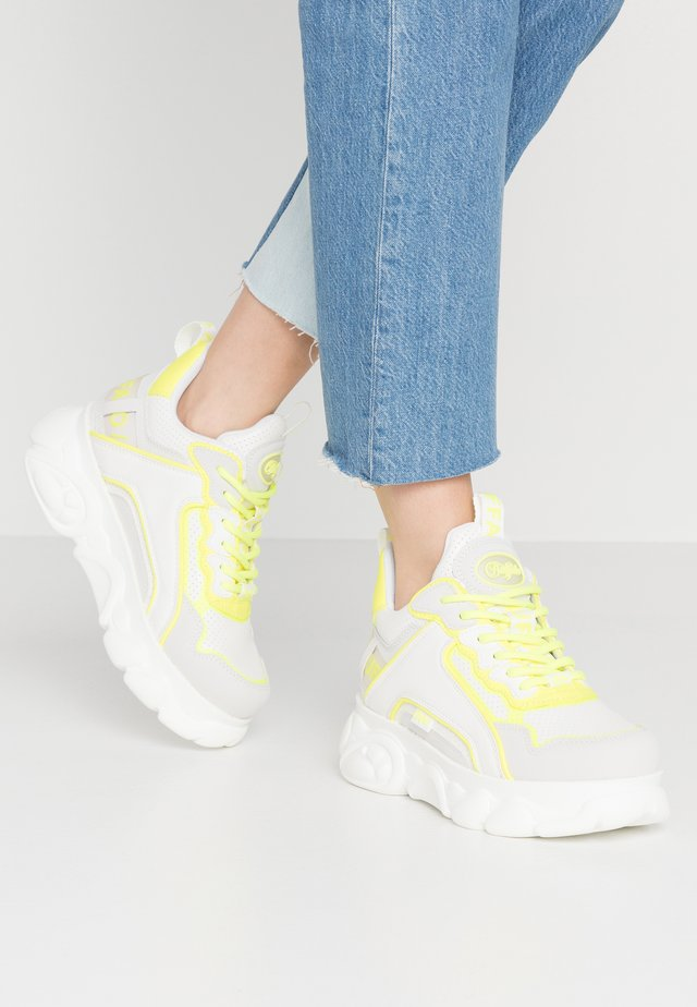 CHAI - Sneakers - white/neon yellow