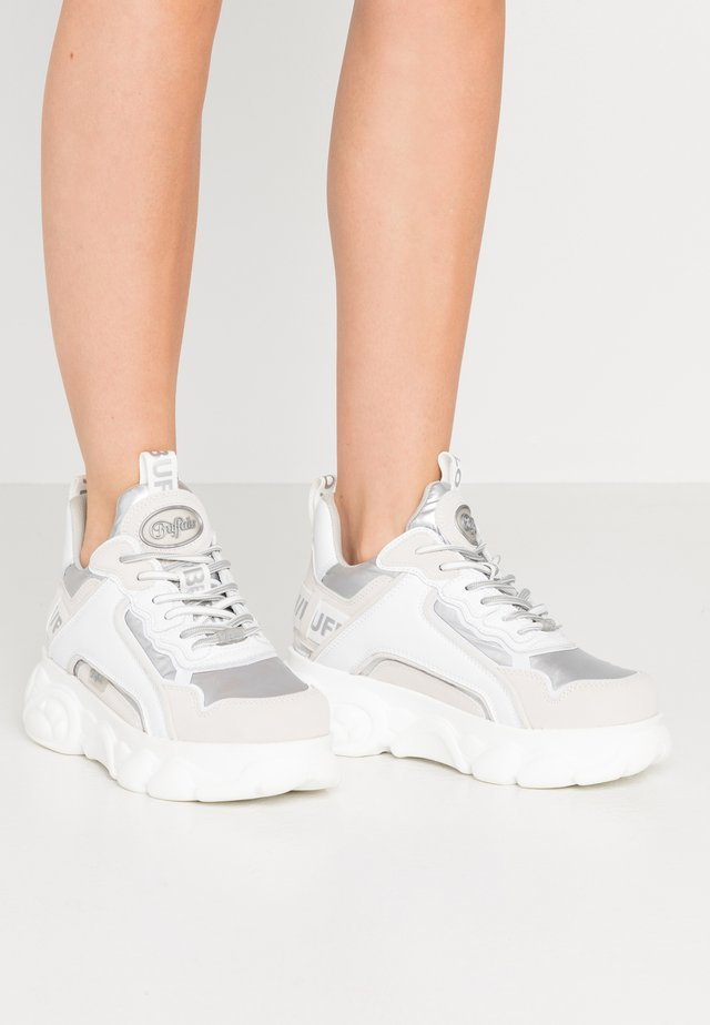 CHAI - Trainers - silver