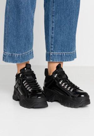 FINA - Sneakers laag - black