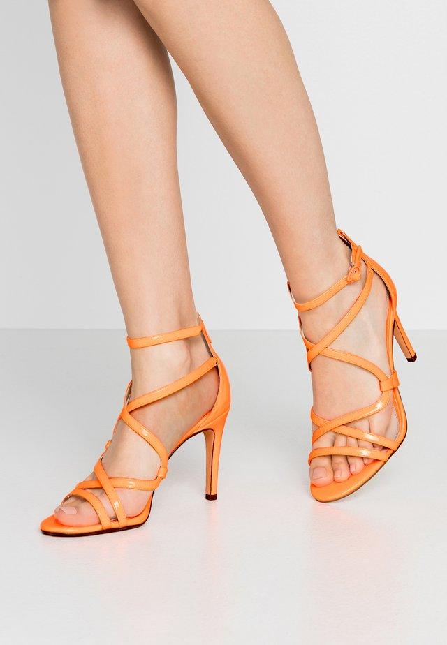 JAMILA - Sandály na vysokém podpatku - neon orange