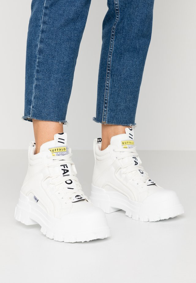 ASPHA MID - Sneakers high - white