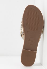 Buffalo - JOSIE - Pantofle - natural - 6