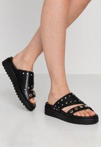 Buffalo - JAYMA - Pantofle - black/silver - 0