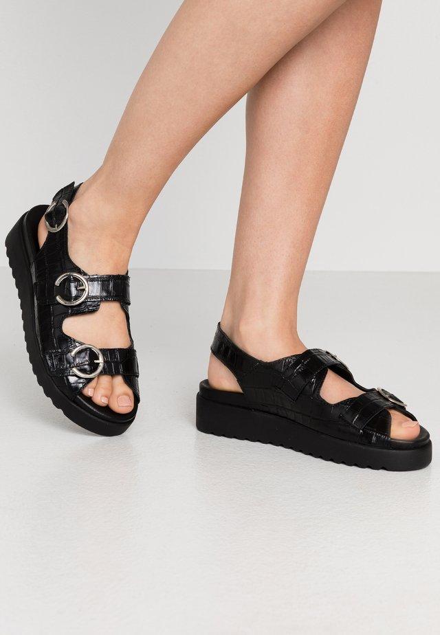 JUSTA - Sandały na platformie - black