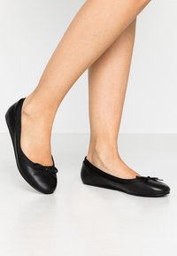 Buffalo - ANNELIE  - Ballet pumps - black - 0