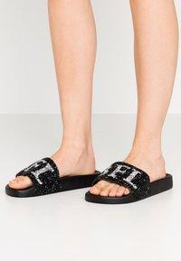 Buffalo - JOELLE - Pantofle - black - 0