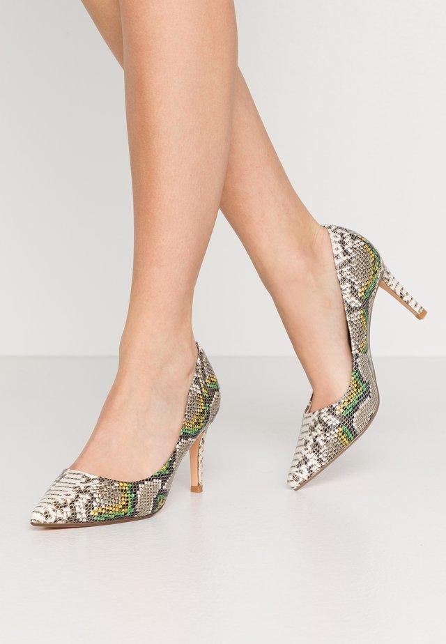 FANNY - Classic heels - natural green