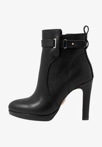 Buffalo - AUDRINA - Kotníková obuv na vysokém podpatku - black - 1