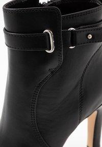 Buffalo - AUDRINA - Kotníková obuv na vysokém podpatku - black - 2