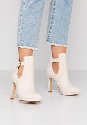 JONA - Kotníková obuv na vysokém podpatku - pastel/beige