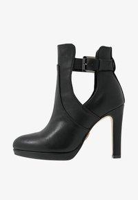 Buffalo - JONA - Kotníková obuv na vysokém podpatku - black - 1