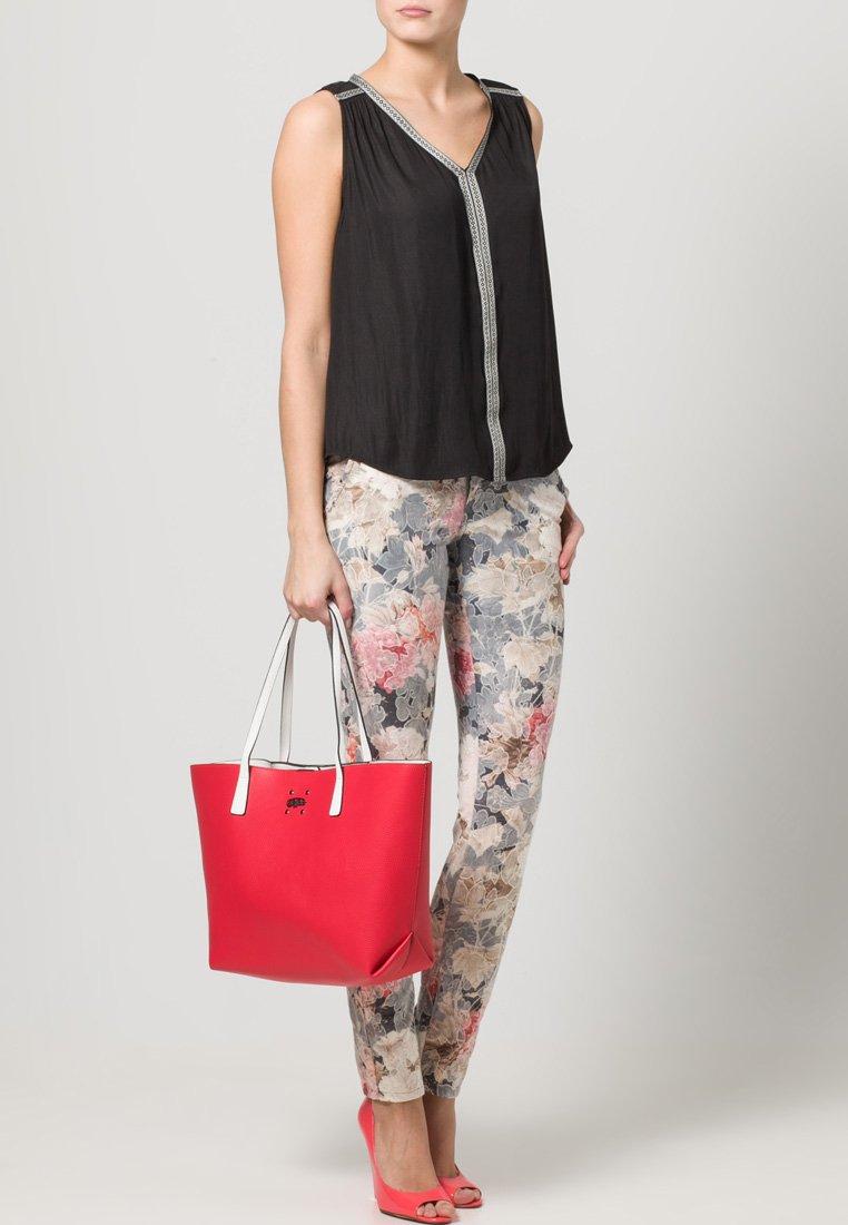 Buffalo - Bolso shopping - red