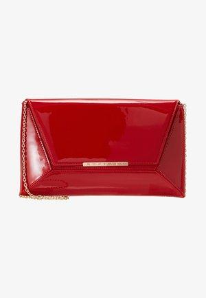 BAG - Clutch - patent red