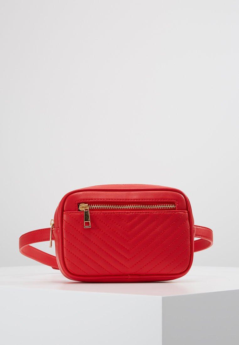 Buffalo - COCO - Bum bag - red