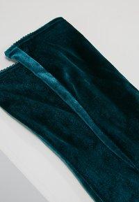Burlington - Socks - holly - 2