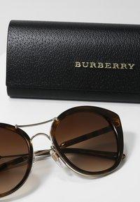Burberry - Lunettes de soleil - havana - 3