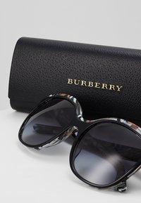Burberry - Solbriller - top black on - 2