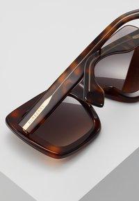 Burberry - Occhiali da sole - light havana - 4