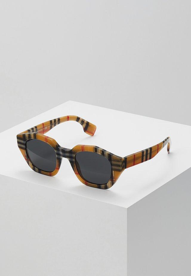 Sunglasses - vintage