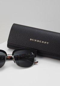 Burberry - Solbriller - black/silver-coloured/grey - 2